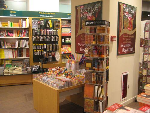Librer a casa del libro c c la maquinista paseo potos - Centro comercial maquinista barcelona ...