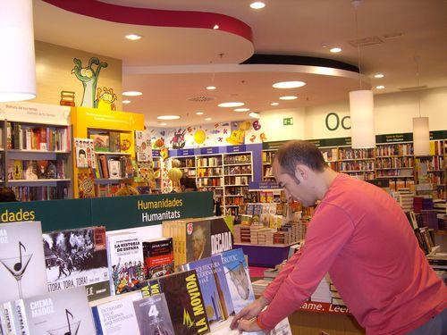 Librer a casa del libro c c el saler autopista del saler - Casa del libro valencia horario ...