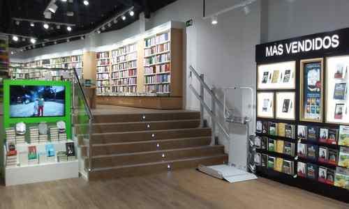 Librer a casa del libro rua xeneral pardi as 30 santiago de compostela - Libreria couceiro santiago ...